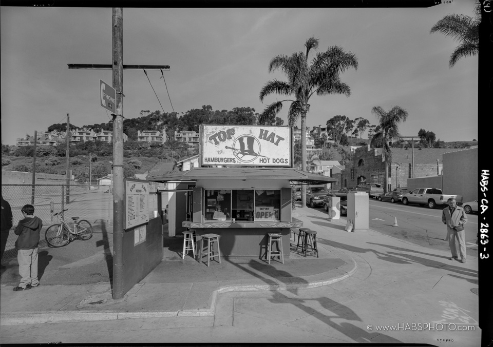 HABS Photograph of Top Hat Hot Dog Stand, Ventura, CA.